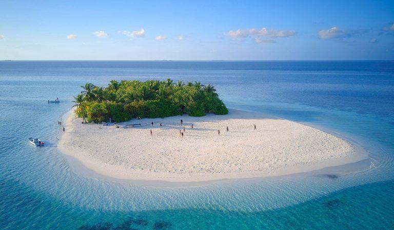 خمسة أشياء يمكن توقعها عند إعادة فتح المالديف في يوليو