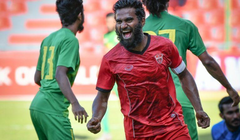 أشفاق أول لاعب كرة قدم مالديفي يدخل التاريخ عبر فيفا