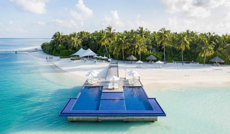 كونراد المالديف جزيرة رانجالي تفوز بجائزة 4 نجوم في دليل السفر من فوربس