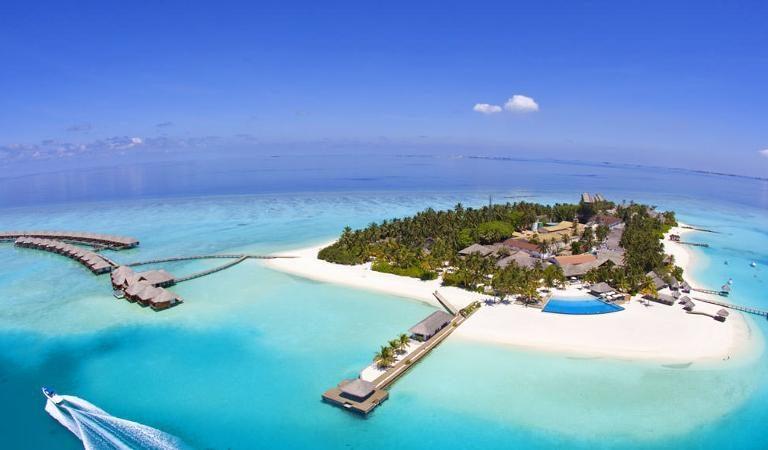 من المقرر إعادة افتتاح 37 منتجعًا في المالديف في يوليو
