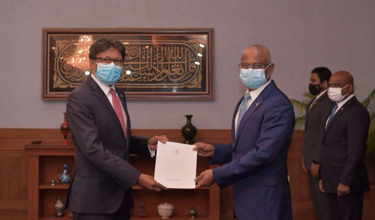 تمت الموافقة على تعيين الدكتور عاصم سفيرا غير مقيم بالمغرب
